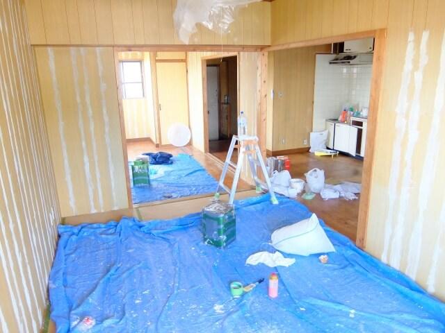 弥富市のアパートにて特殊清掃を行いました。