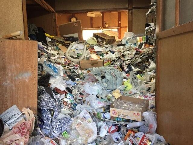 名古屋市のゴミ屋敷清掃なら実績多数のスリーエスへ。